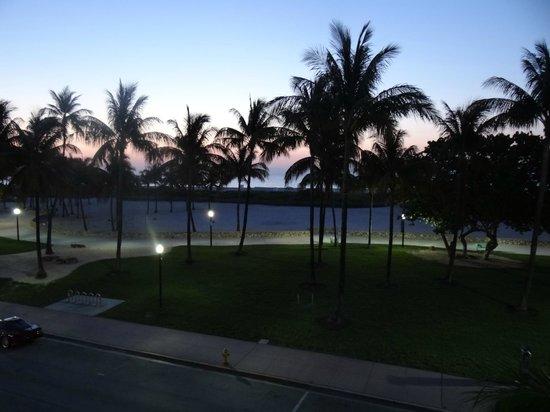 Pelican Hotel: Front Window Sunrise