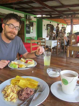 Hostal Villa Mar: Jeff eating one of many fantastic breakfasts