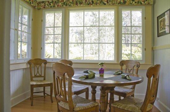 Kilauea Lodge: Ola'a Plantation dining room