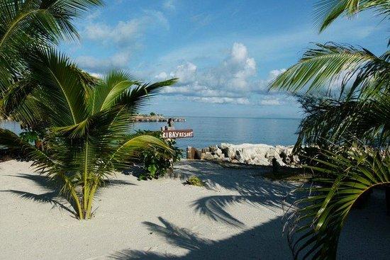 Senari Bay Resort: beach