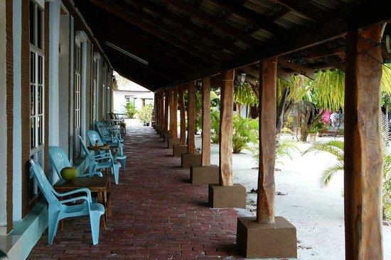 Senari Bay Resort : outside the rooms
