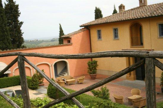 Il Borghetto di San Gimignano Agriturismo: Courtyard