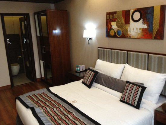 Hotel Down Town : Spacious Bedroom
