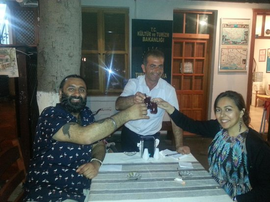 Meydan Restaurant: great pic wuth great owner and restaurant cenghez