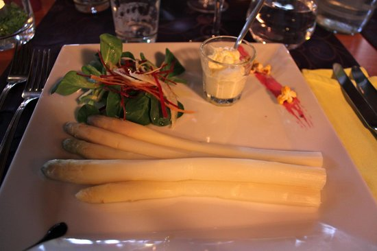 Restaurant Le Continental : Entrée d'asperges de Saillon