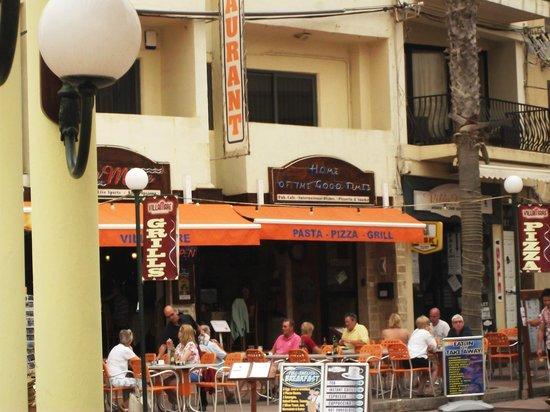 Villa Mare: Front of restaurant 2