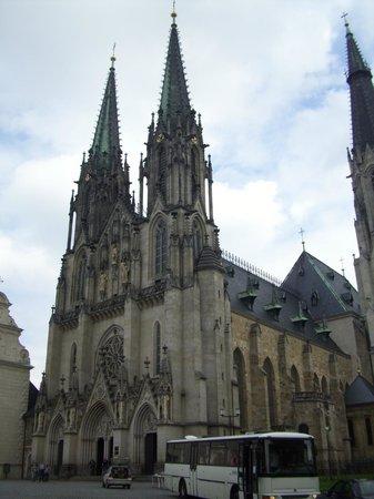 St. Wenceslas Cathedral: Facciata della cattedrale