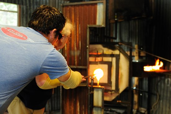 Salado Glassworks: Melting your color