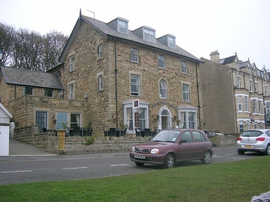 Filey Beach: Downcliffe Hotel