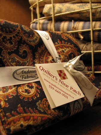 Quilter's Nine Patch Quilt Shop