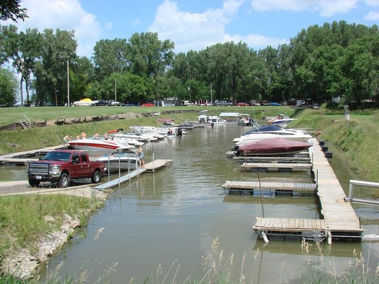 Decatur, NE: Boat parking