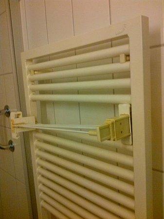 Sorell Hotel Seidenhof: broken dry rack....