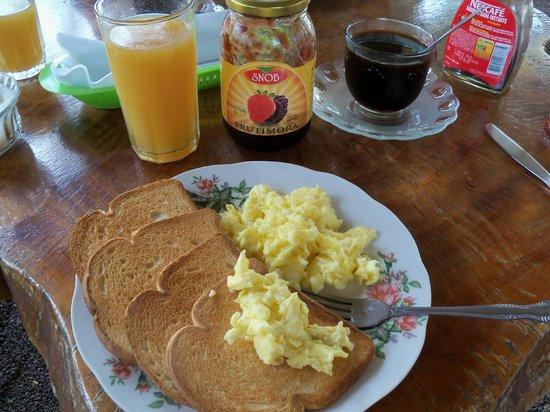 Hospedaje Nathaly: Otro de nuestros desayunos