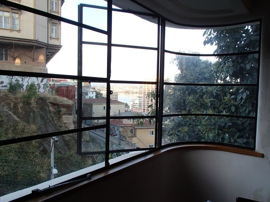 ViaVia Hotel Valparaiso : Dining room view of the city