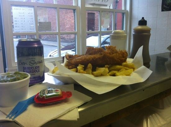 Henshall Street Fisheries: Freshly cooked Cod Chips and Peas, classic...!