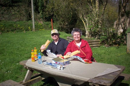 Victory Tours: The Picnic lunch in the Country side.