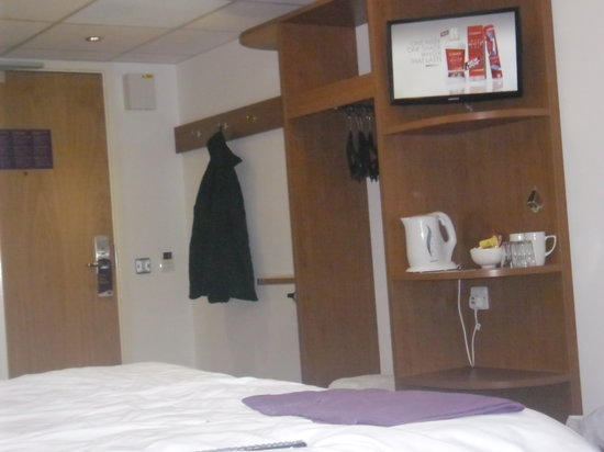 Premier Inn Liverpool City Centre (Liverpool One) Hotel: Our room