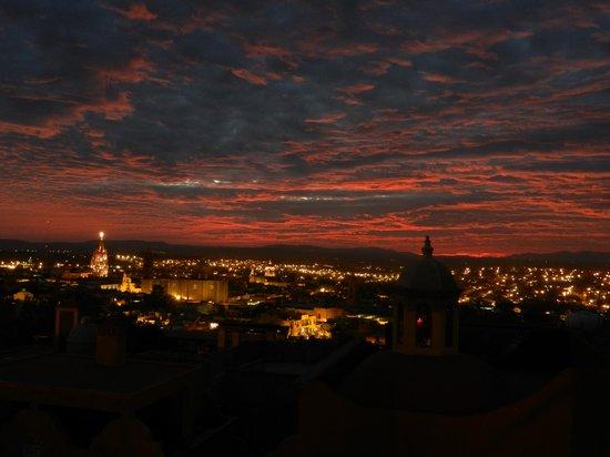 Casa de la Cuesta: Xmas over San Miguel at sunset.