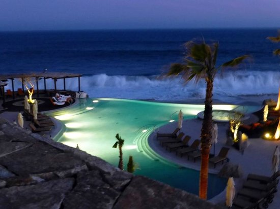 Grand Solmar Land's End Resort & Spa: wave show from balcony