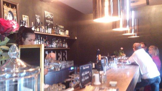 Volver Bar Tapas Cafe: Bar