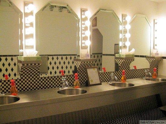 Uptown Blanco Restaurant: Main entry restrooms