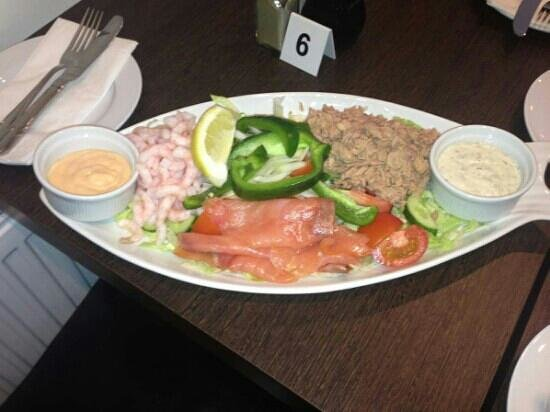 Green Lane Fish and Chip Restaurant: this is 1 of the salads on the menu