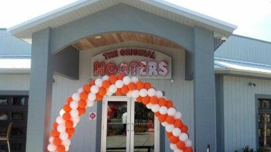 Hooters: Grand Re-Opening
