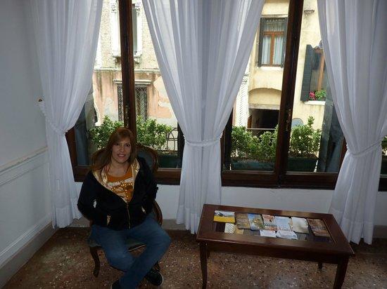 Hotel alla Fava: Sala de estar