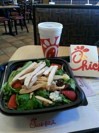 Chick-fil-A: Excellent salad to help you stay on your diet!
