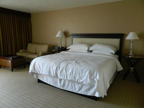 Sheraton Tampa Riverwalk Hotel: Comfy bed