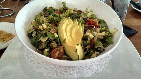 Woodlands American Grill: mixed green salad