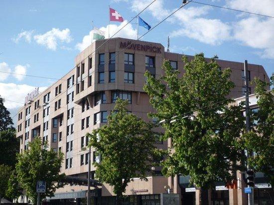 โรงแรมโมเวนพิค โลซาน: L'hôtel
