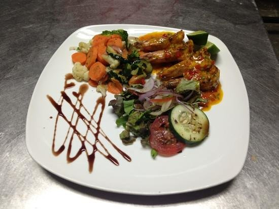 Restaurant Baru : butter garlic prawns with organic vegetables