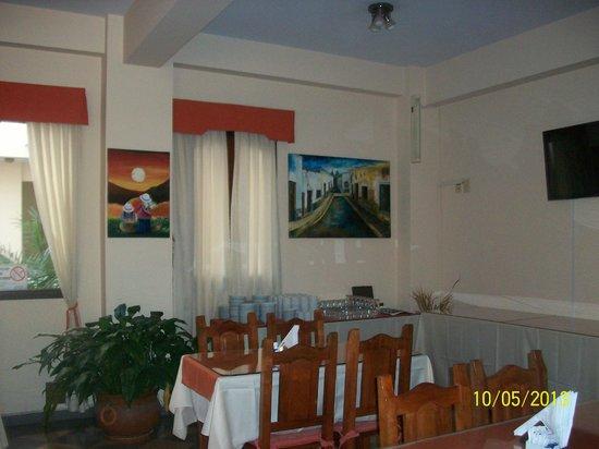 Apart Hotel Mirador de Salta: El desayuno exquisito y completo
