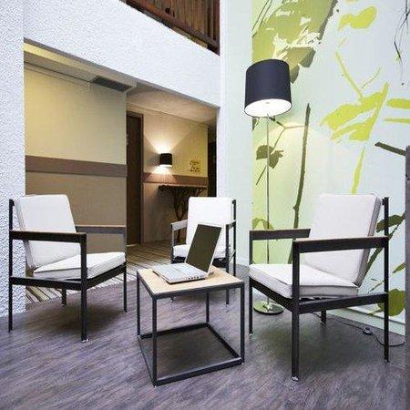 Kyriad Nevers Centre: Lobby