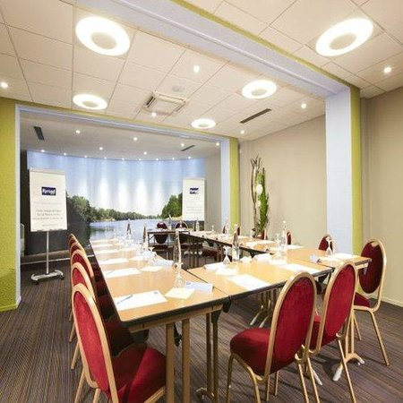 Kyriad Nevers Centre : Meeting Room