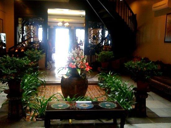 โรงแรมปูริ: hotel puri foyer
