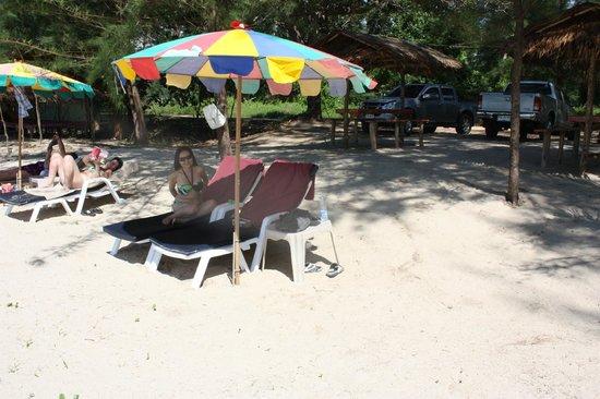 Palm Garden Resort Khao Lak: Local beach