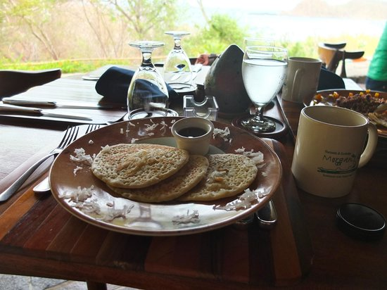 Morgan's Rock Hacienda and Ecolodge: Tropical Pancakes for breakfast.