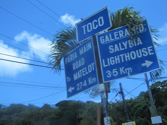 Galera Point - Toco Lighthouse: signs of different beaches along coast