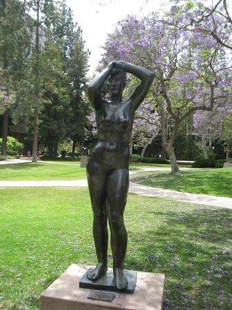 Franklin D Murphy Sculpture Garden Los Angeles 2018