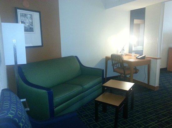 Fairfield Inn & Suites Laramie: Sofa