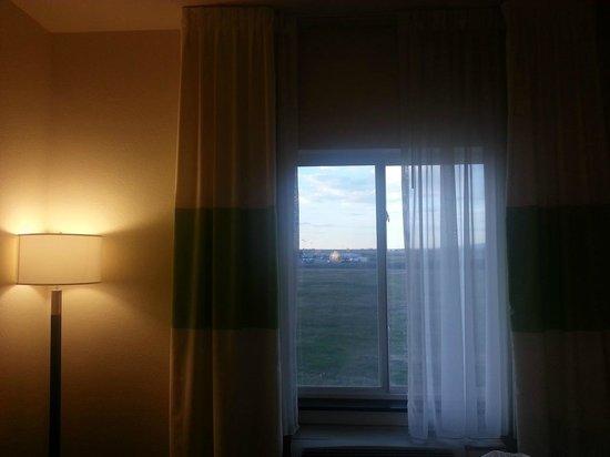 Fairfield Inn & Suites Laramie: window
