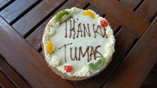 Tropicana Lagoon Apartments Resort: Thank you cake
