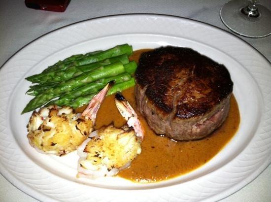 Laury's Restaurant: Beef Maison