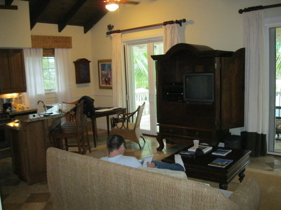 Point Grace: Upper Cottage Suite Living Room.  Kitchen is to the left.