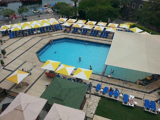 Leonardo Plaza Hotel Tiberias: Vista de la piscina desde la habitacion