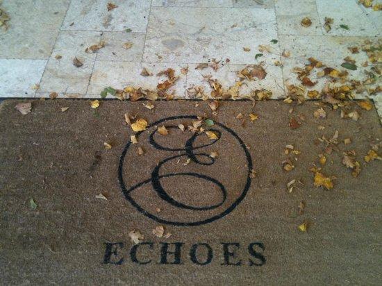Echoes Restaurant : Entrance