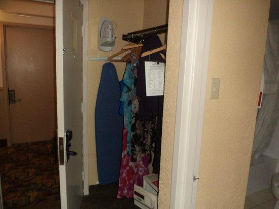 Ramada Plaza Fort Lauderdale: habitacion