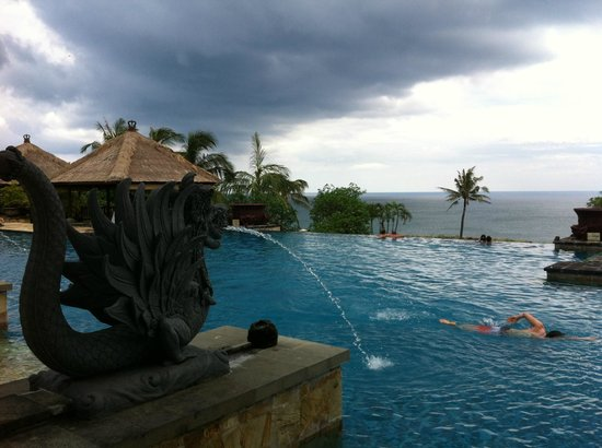 AYANA Resort and Spa: One of the pools
